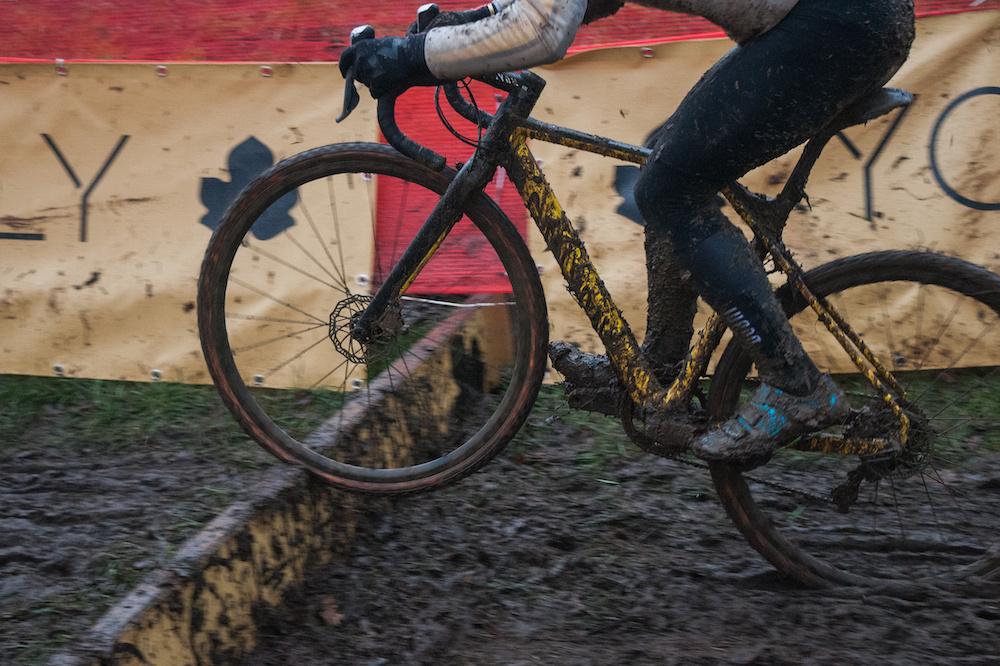 difference between cyclocross vs gravel bike